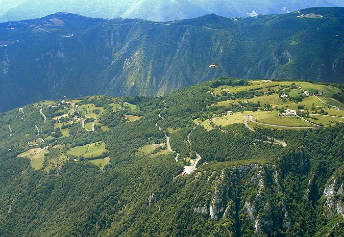 Speedride-acro trip Aleše Hrebíka a Radoslava Židka