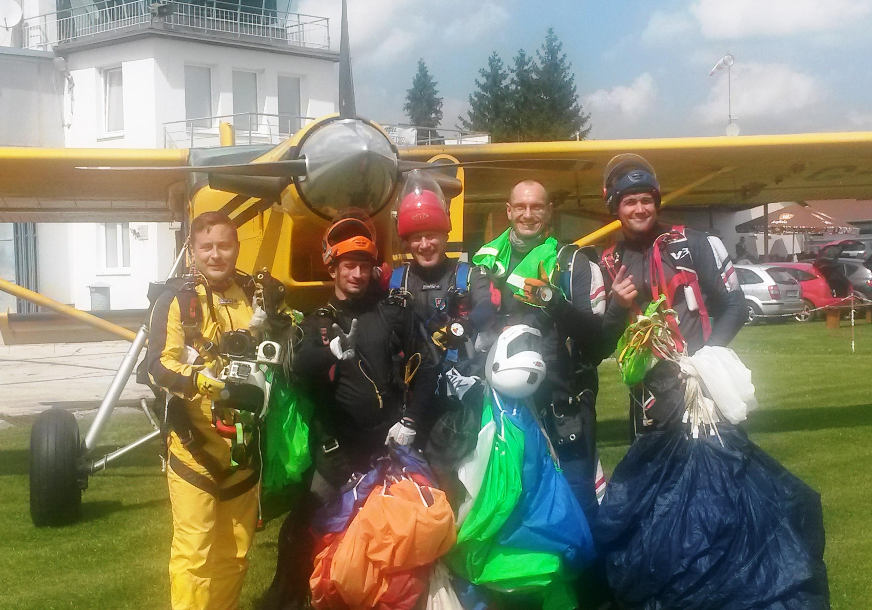 Slávnica hostila Mistrovství Slovenské republiky v létání ve skupinové akrobacii
